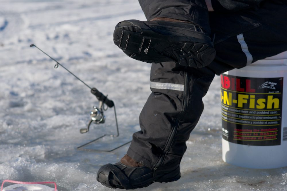 10 Best Ice Fishing Boots Reviewed in