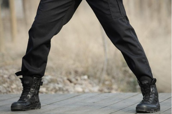 An in depth review of the best black tactical pants in 2018