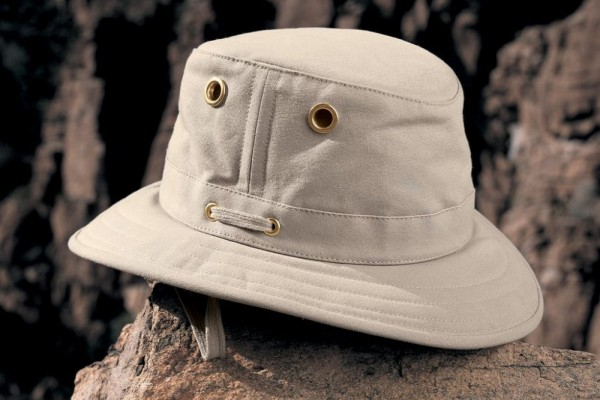 an in-depth review of the best Tilley hats in 2018