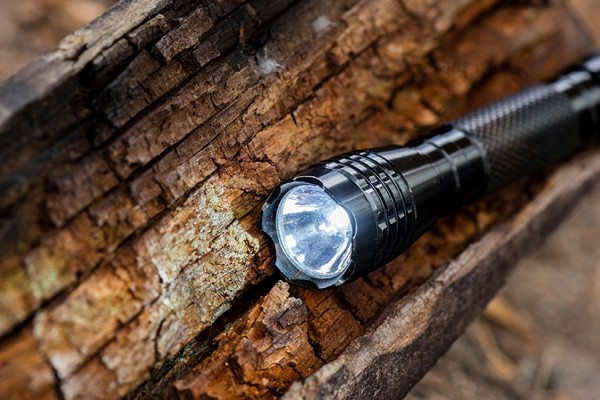an in-depth review of the best aa flashlights in 2019
