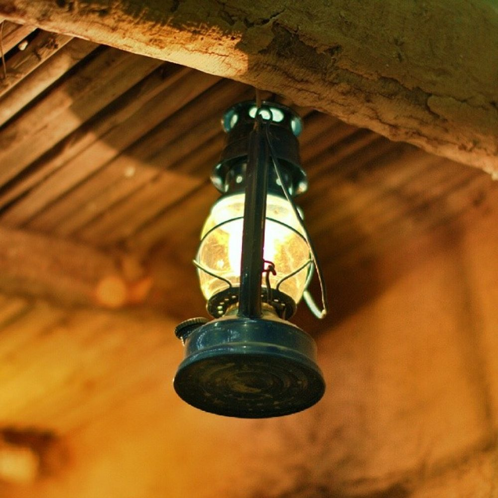 10 Best Oil Lamps Amp Lanterns Reviewed Amp Tested Thegearhunt