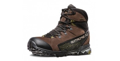 An in-depth review of the La Sportiva Nucleo High GTX hiking shoes.