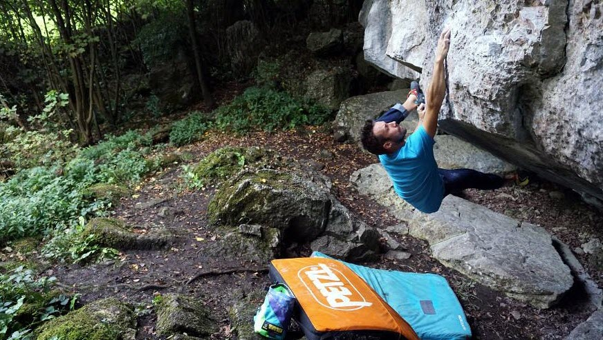 An in-depth review of the best bouldering pads in 2018