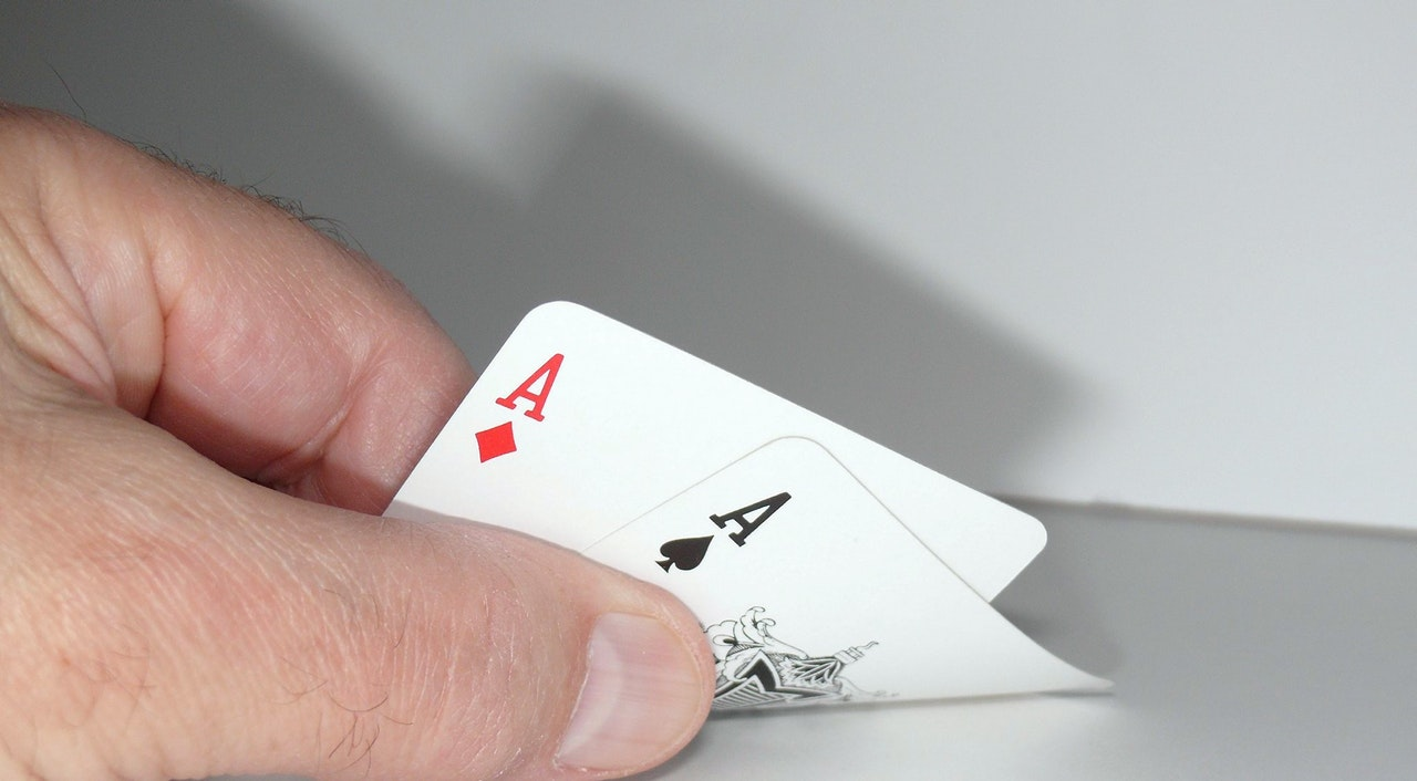 An in-depth review of the best poker cards in 2018