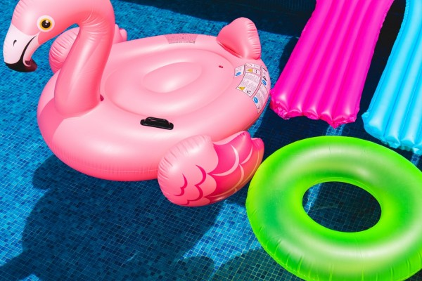 An in-depth review of the best adult pool floats available in 2018.