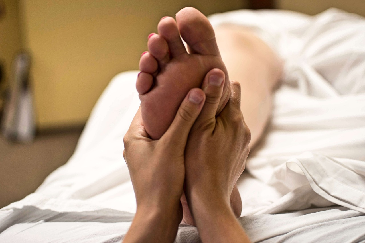 An in-depth review of the best foot massagers available in 2018.