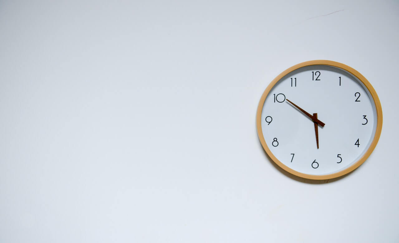 An in-depth review of the best wall clocks available in 2018.
