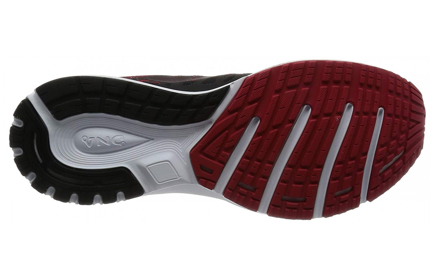 The segmented crash pad at the heel absorbs impacts and guides the motion of your foot.