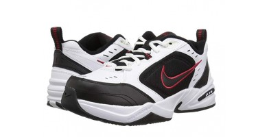 An in-depth review of the NIKE Air Monarch IV.