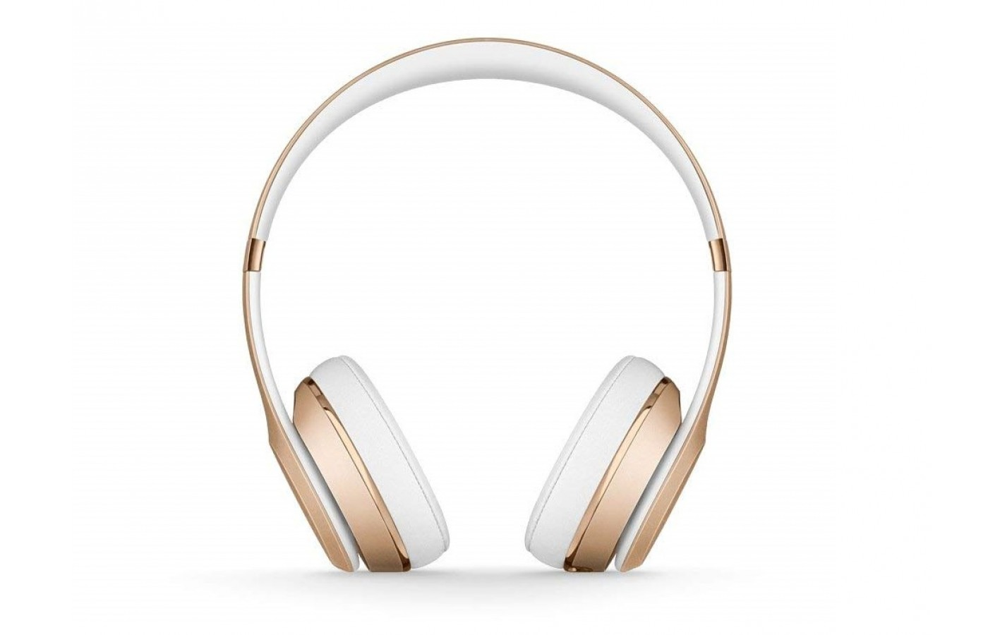 The Beats Solo 3 offers fine-tuned acoustics for better clarity and balance.