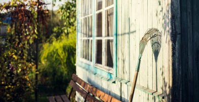 An in-depth review of the best garden rakes available in 2019.