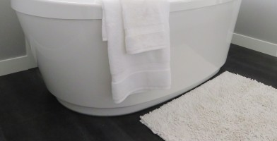 An in-depth review of the best bathroom rugs available in 2019.