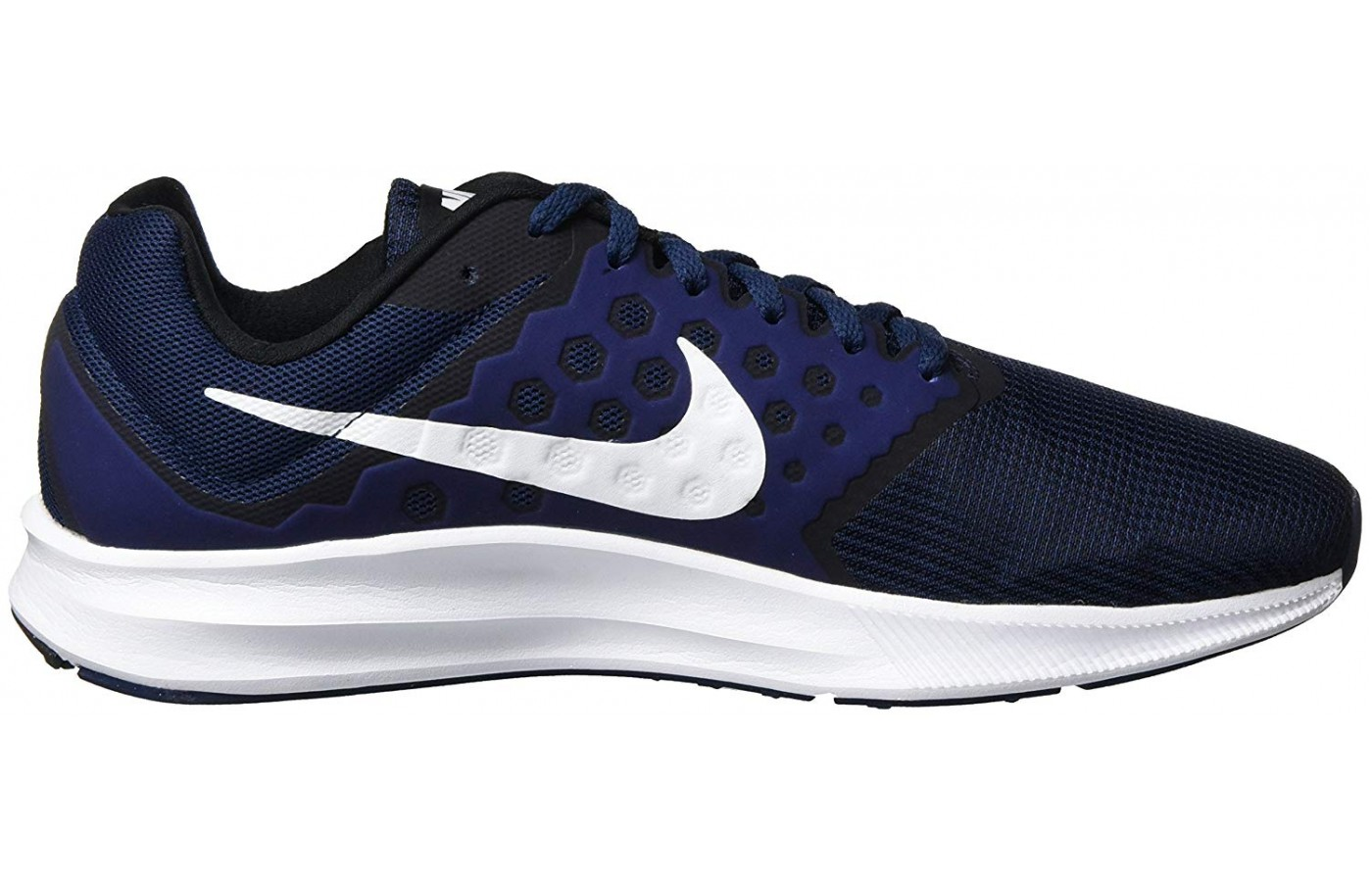 The Downshifter 7 embodies the classic Nike look.