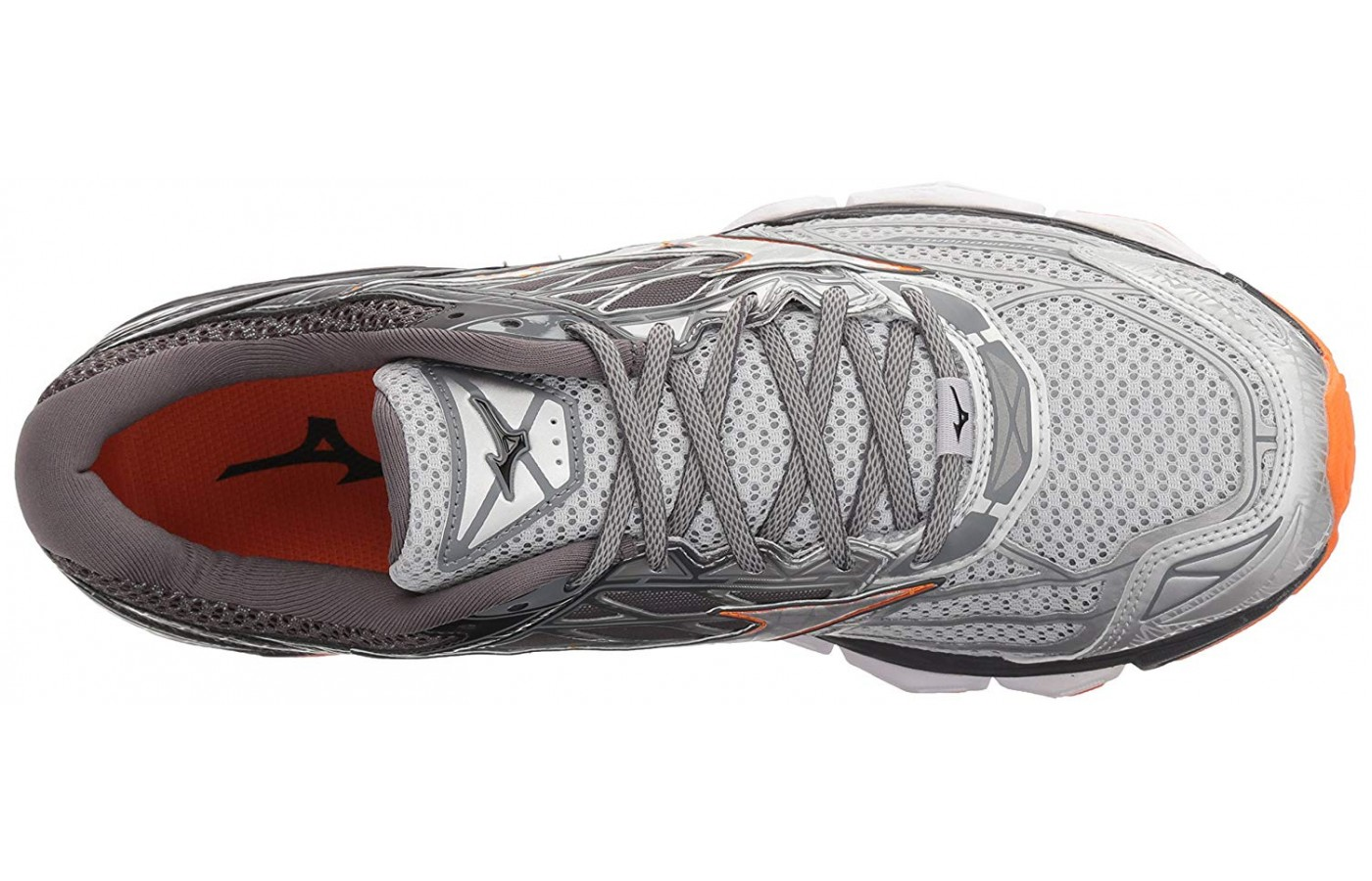 The Mizuno Wave Creation 19 was designed to include a full length U4icX strobel lining.
