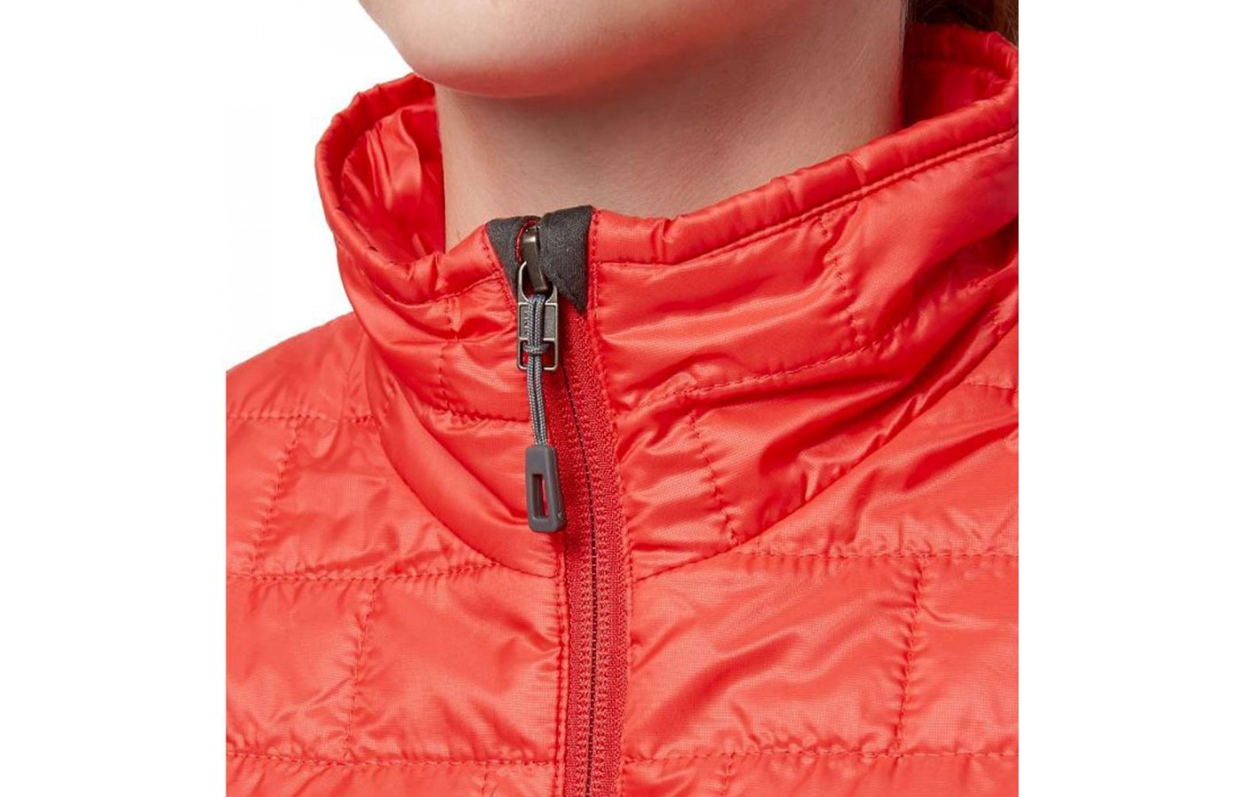 For next-to-skin comfort, the jacket has a zipper garage at the chin.