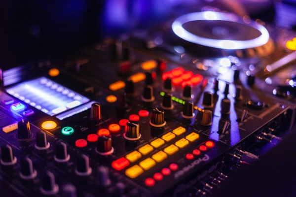An in-depth review of the best DJ controllers available in 2019.