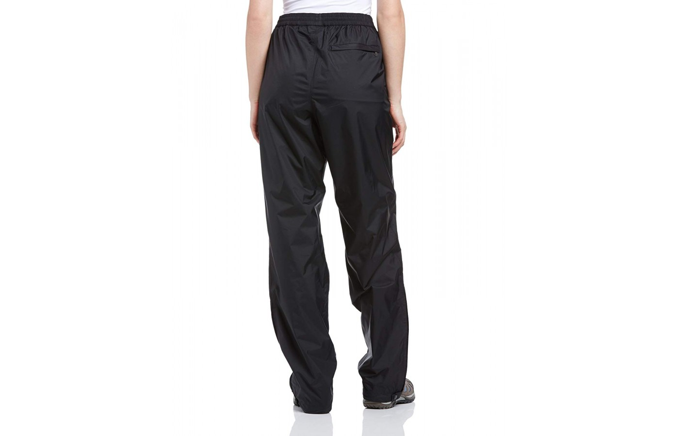 The pants have an excellent set of mesh-lined pockets, one in the rear and two in front.