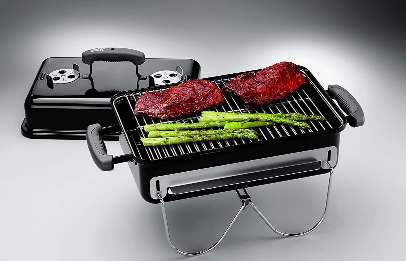 The grill is easy to use and comes with simple instructions.