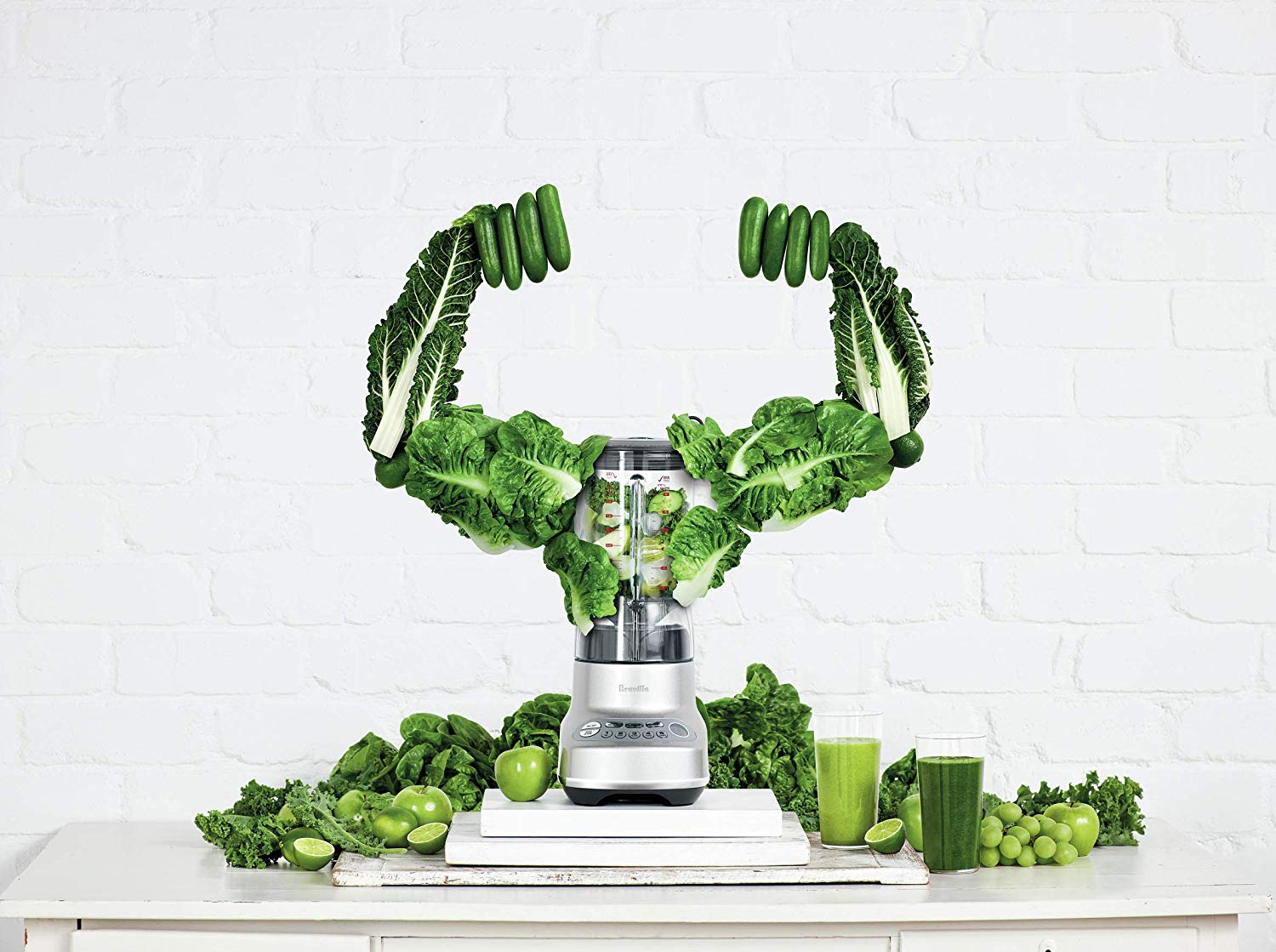 Pesto making tested the blender's ability to process leafy greens and foods of different shapes and sizes into a uniform blend that does not require a lot of liquid assistance.