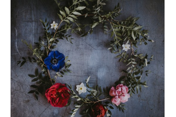An in-depth review of the best summer wreaths available in 2019.