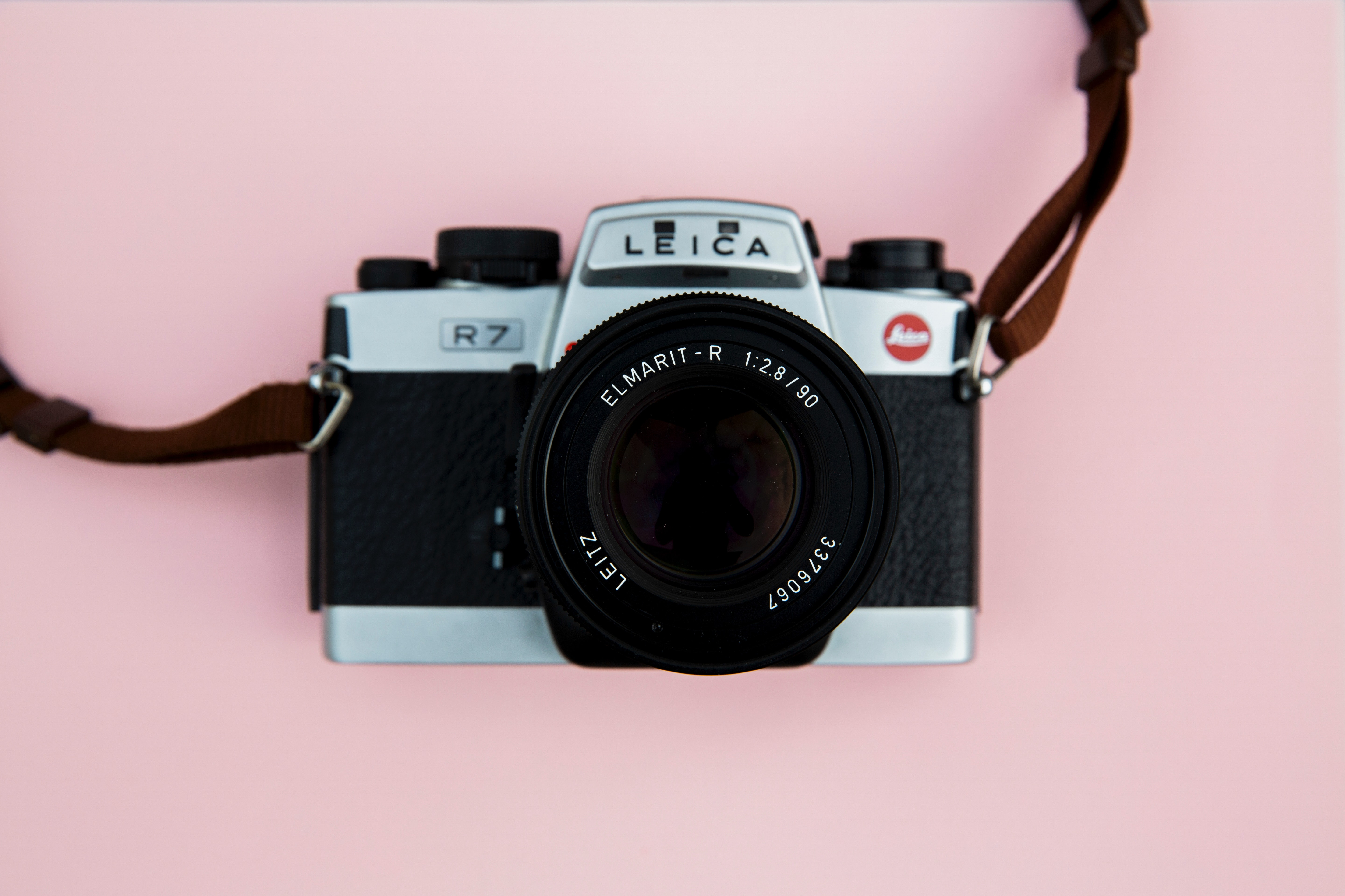 An in-depth review of the best Leica compact cameras reviewed in 2019.