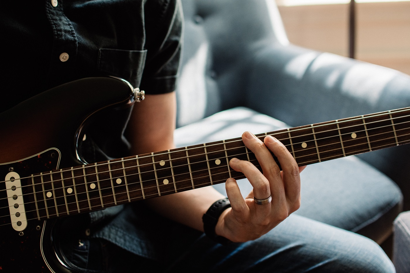 An in-depth review of the best electric  guitar strings available in 2019.