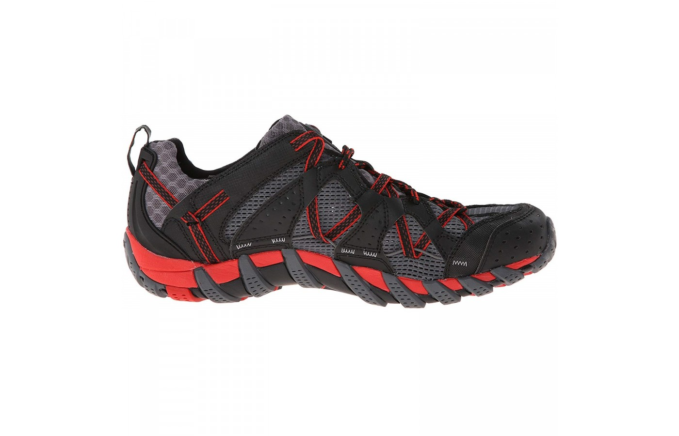 The Merrell Waterpro Maipo offers a synthetic toe bumper for protection of the toes and shoe.