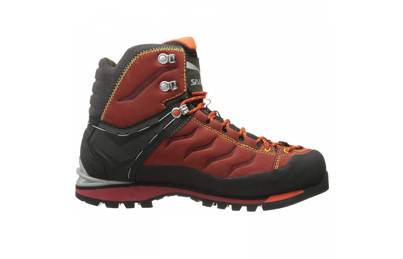 The Salewa Rapace GTX has 360° full rubber rand for protection from wear and tear along the trails.