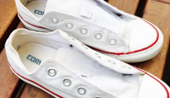 An in-depth guide on how to properly clean sneakers