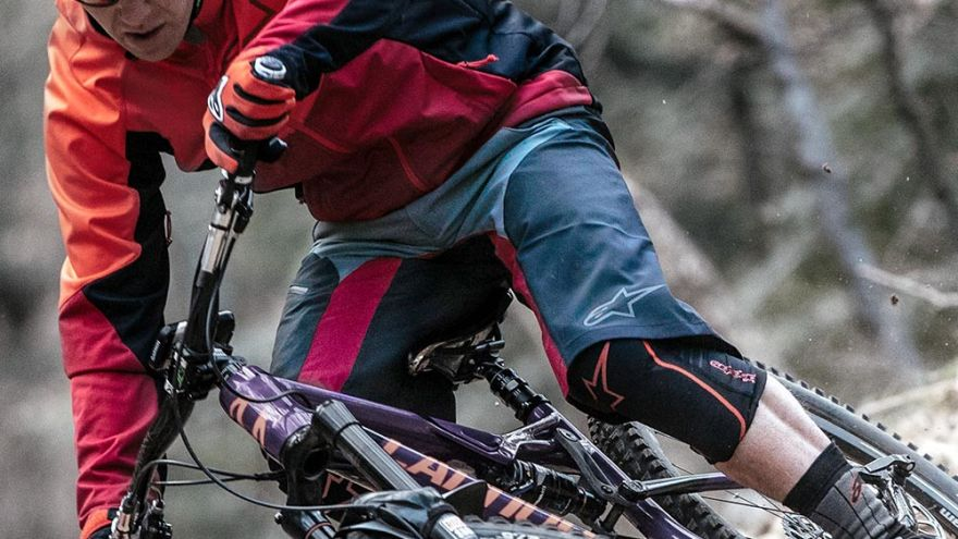 An in-depth guide on the difference between mountain biking vs road biking