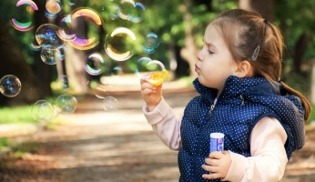 An in-depth guide on getting your kids excited about outdoor play.