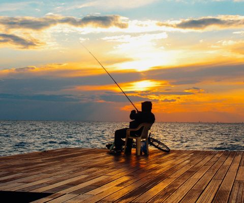 An in-depth guide on the best fishing apps for the modern fisherman to use.